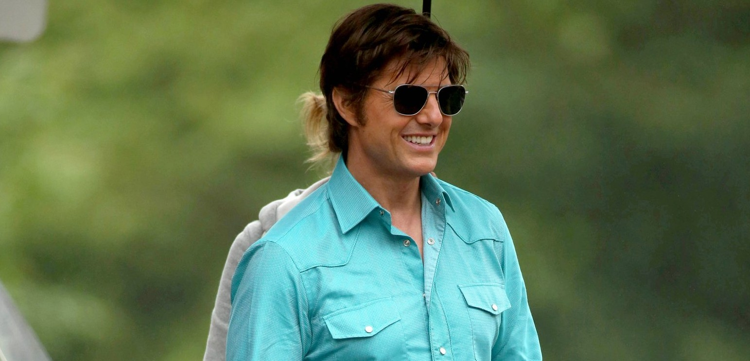 More pictures of Tom Cruise on the set of Mena