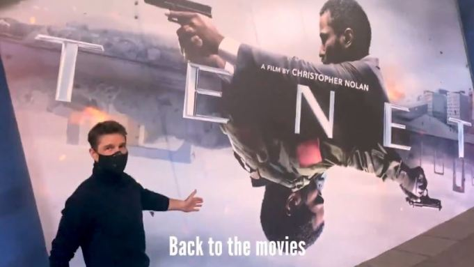 Tom Cruise goes to the movies!